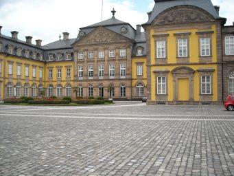Bad-Arolsen-Germany-castles-9099899-2560-1920[1]